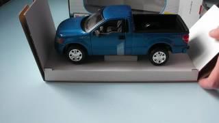 Розпакування Автомодель Maisto (1:27) Ford F-150 STX Синій металік з Rozetka.com.ua