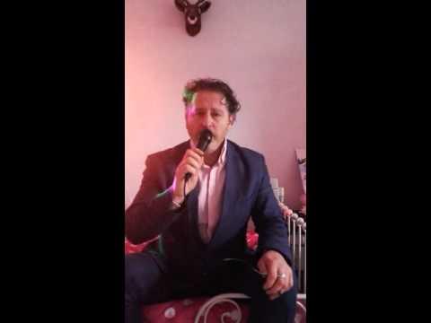 Ricardo Egon sing' silver Bells' christmas song