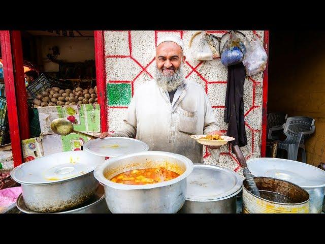 Street Food in Gilgit + PAKISTANI VILLAGE FOOD | Ultra Happiness in Gilgit-Baltistan, Pakistan!
