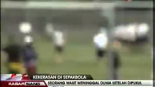 Pemain Tendang Perut Dan Wasit Sepakbola Tewas