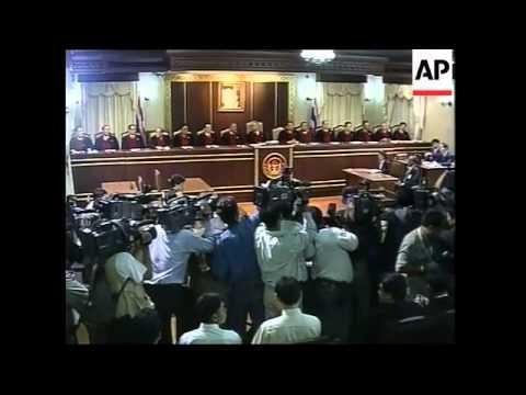 Thai PM arrives at constitutional court for corruption case