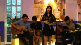 Chậm lại một phút ( Live acoustic )