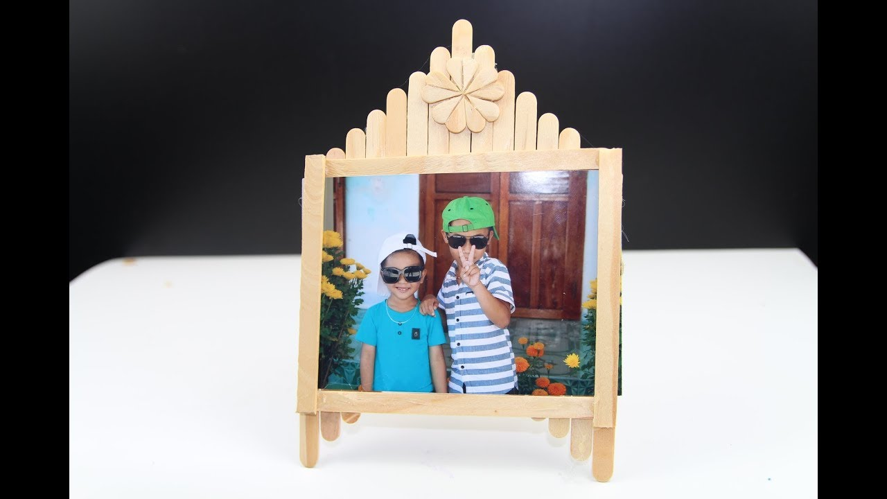 How To Create A Picture Frame With An Ice Cream Stick Youtube Frame dari stik es krim