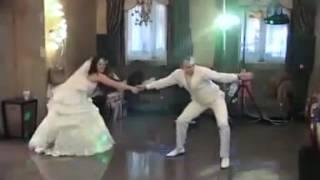 Жених с невестой зажигают!