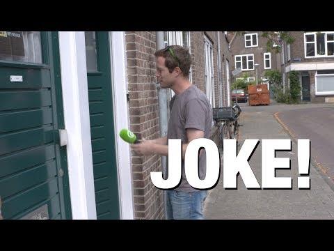 DumpertTV op visite bij medium Joke!