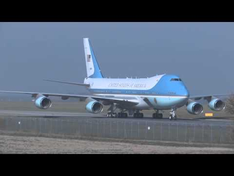 Air Force One in Prague with Barack Obama on board, April 2010
