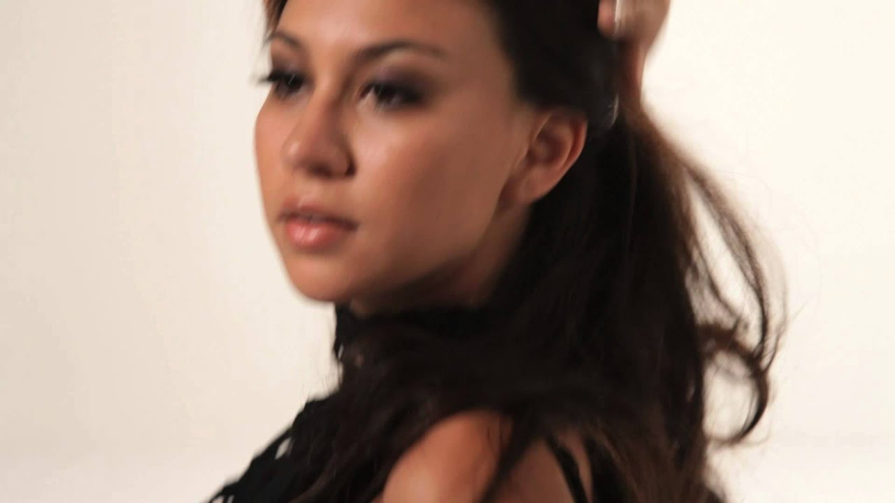 """Download Kandace Lindsey """"Eyes of Desire"""" Music Video feat. Fashion by Gary Allen"""