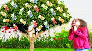 Zuri plantó un Árbol de Dinero Con Monedas Mágicas y Compró Juguetes |ZURI SOL