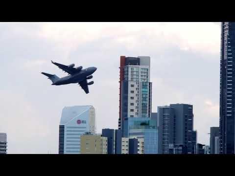 RAAF C 17 Globemaster III Extreme Flyover, Brisbane Riverfire 2018