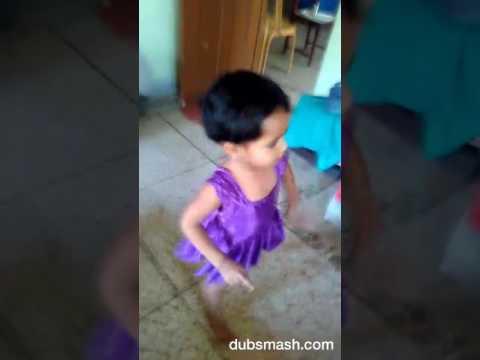 Cute girl dancing on hat Ja tau...