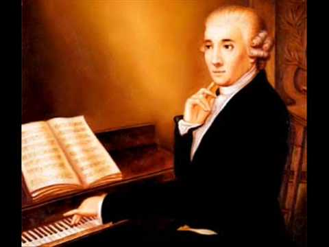 J. HAYDN - Variations in F Minor Hob. XVII-6. A. Schiff, piano