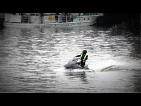 Rowan Atkinson - Jet Ski Stunt Berlin