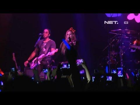 Kemeriahan Konser Avril Lavigne di Jakarta