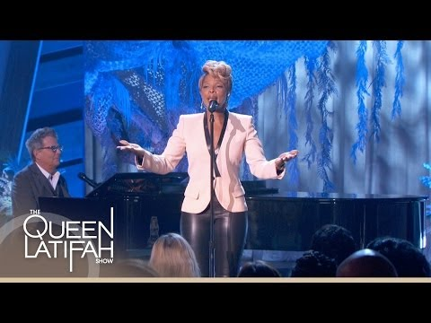 Mary J. Blige Performs 'Have Yourself a Merry Little Christmas' on The Queen Latifah Show