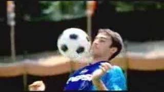 百事可樂-相撲踢足球篇