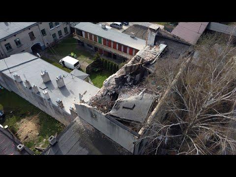 Katastrofa budowlana przy ul. Targowej w Pabianicach. Budynek zawalił się na dom sąsiadów