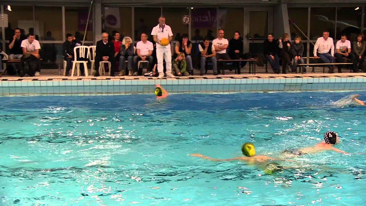 Water polo valence vs echirolles 10 03 2012 youtube for Piscine echirolles
