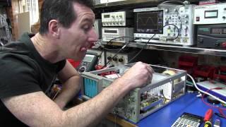 Repeat youtube video Tektronix 2225 Oscilloscope Teardown and Calibration - EEVblog #208