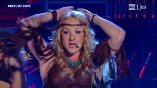 "Shakira - Francesco Cicchella canta ""Whenever Wherever"" - Tale e Quale Show 11/11/2015"