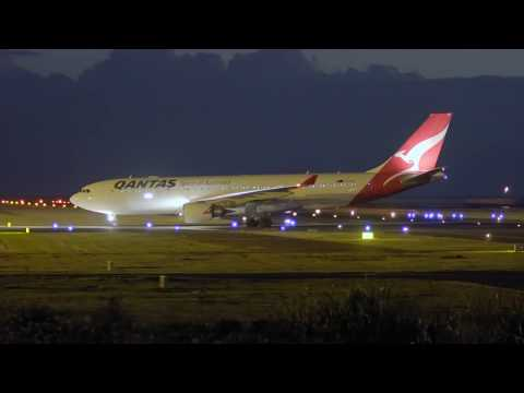 Qantas (VH-EBE). Long time no see! Landing in Tahiti (NTAA). 06:30PM. 16/07/2017