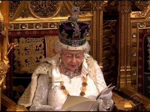 Page Boy Faints During Queen's Speech At Parliament
