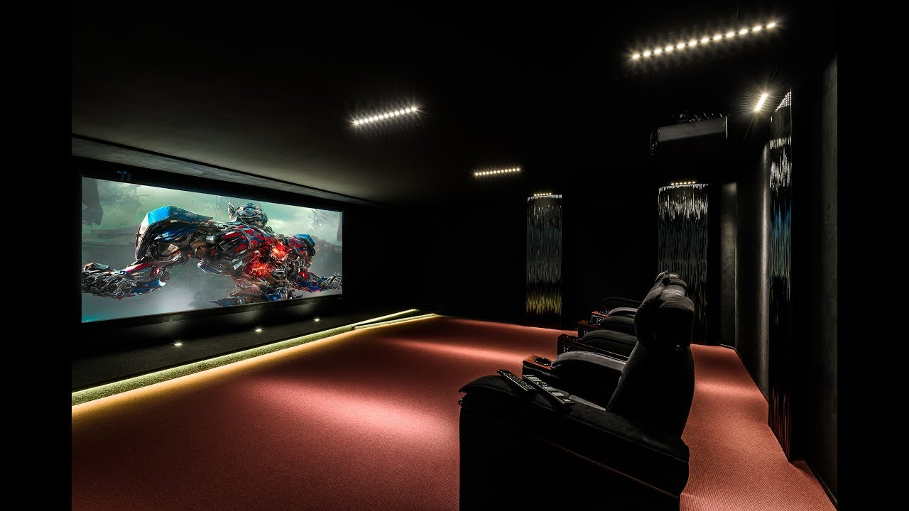 salle cinema maison fauteuil cinema et buttkicker with salle cinema maison good salle de cinma. Black Bedroom Furniture Sets. Home Design Ideas