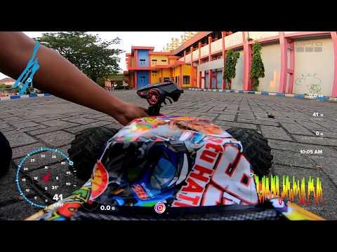 Фото Ngabuburit Main FPV Rc Car 1/10 Brushless Motor di Stadion Gelora Bangkalan