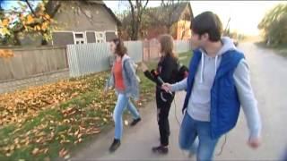 Журналист ICTV нашел село в Закарпатье, где не понимают украинский язык(На Западной Украине есть село Попово, которое теперь называется Чонкапопи. Здесь почти никто не говорит..., 2013-11-14T15:52:50.000Z)