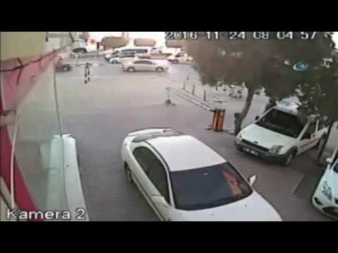 Kadın teröristin Adana Valiliğine saldırı anı kamerada