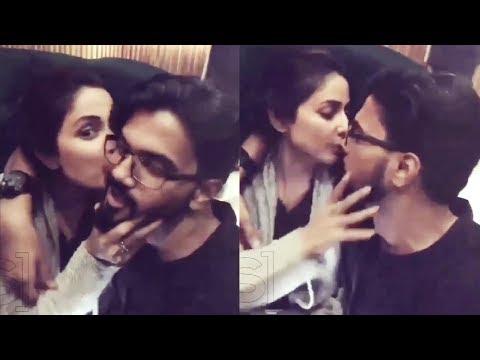 Hina Khan Kisses Boyfriend Rocky Jaiswal In LIVE Video