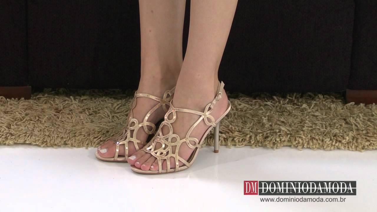 1bc6ea8d4 Aprenda a Usar o Sapato Dourado | Moda - Cultura Mix