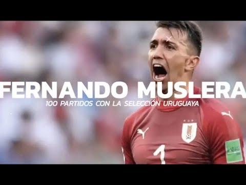 Homenaje de la AUF a Fernando Muslera por haber cumplido 100 partidos con la Celeste