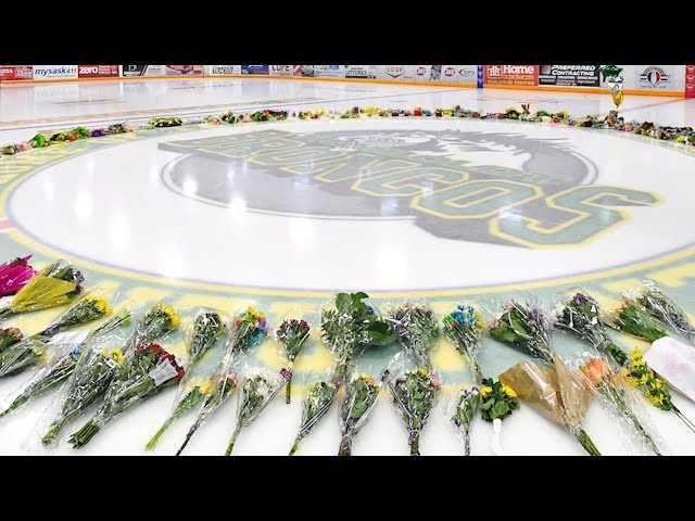 "A vigil was held in Humboldt, Saskatchewan on Sunday for the 15 people who died in a crash involving the town's junior hockey team bus. The Humboldt Broncos' vice-president says the vigil will allow the ""healing"" to begin. (The Canadian Press)"