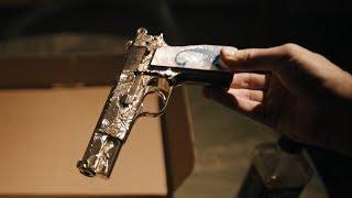 【喵嗷污】男子继承了把枪,没想到这枪有自己的脾气,竟帮他走上了人生巅峰《新阴阳魔界:蓝蝎》几分钟看奇幻电影