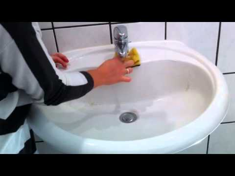tutorial waschbecken putzen badgarnitur putzen armaturen reinigen wachbecken reinigen youtube. Black Bedroom Furniture Sets. Home Design Ideas