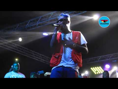 Shatta Wale goes 'crazy' on stage as he performs 'Freedom'