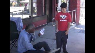 12 YEAR OLD BOY HELPS HOMELESS PEOPLE IN LOS ANGELES (video)