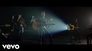 "Dierks Bentley - Hold The Light (From ""Only The Brave"" Soundtrack) ft. S. Carey Video"
