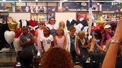 Old Navy Fashion Show St John's Town Center Jacksonville Fl