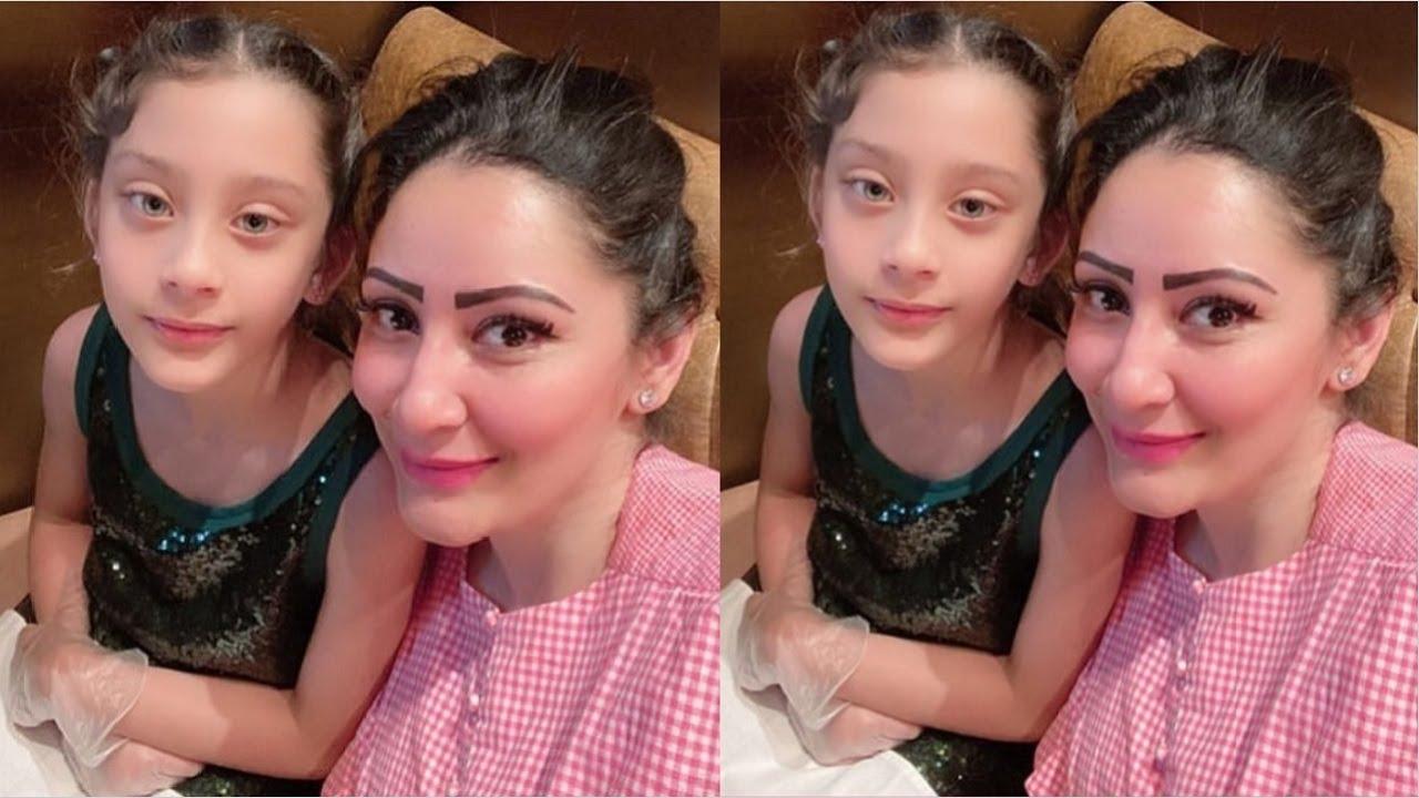 Sanjay Dutt Wife Manyata Dutt Shares Cute Moment With Daughter Iqra Dutt