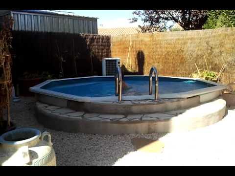Luda qui se rate dans la piscine :p