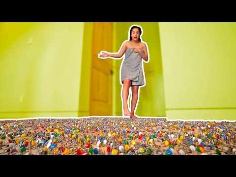 1 MILLION THUMBTACK PRANK ON NAKED ROOMMATE