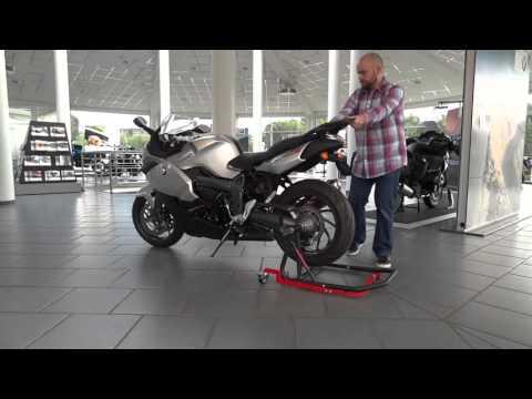 Roulette skate moto