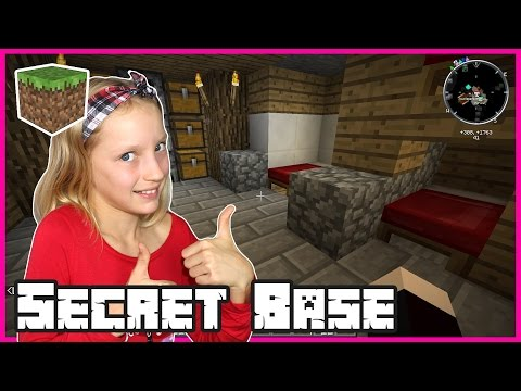 I'm Moving Into a Secret Base / Minecraft
