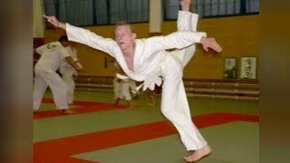 Video Super HILARIOUS KARATE FAILS - Funny KARATE MOMENTS videos download MP3, 3GP, MP4, WEBM, AVI, FLV November 2019