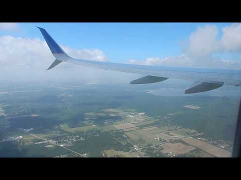 Landing at George Bush International Airport (IAH) - United Airlines Boeing 737 - Houston, TX