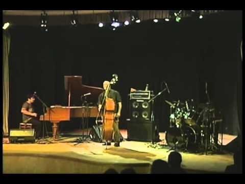 Sambajazz Trio - Vem mais perto  Kiko Continentino