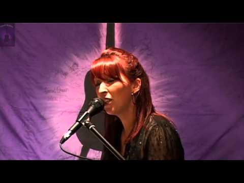 Sinead McNally @ the Purple Sessions :Sing now