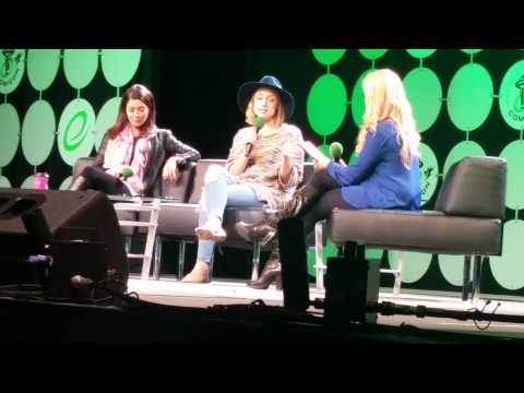 Lost Girl Panel Emerald City Comicon Part 1 Rachel Skarsten Emmanuelle Vaugier