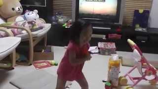 2歳の娘がどんぐりころころを一生懸命歌います(^O^)